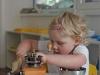 Praktický život - mletí kávy